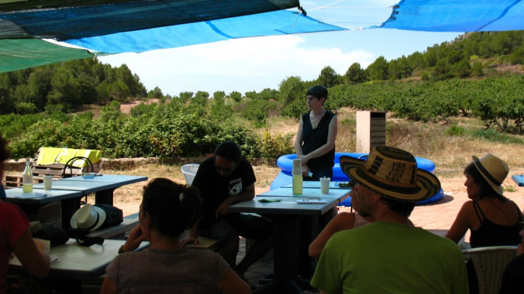 Nani Moré apresenta as cantinas ecológicas no encontro de eco-redes.